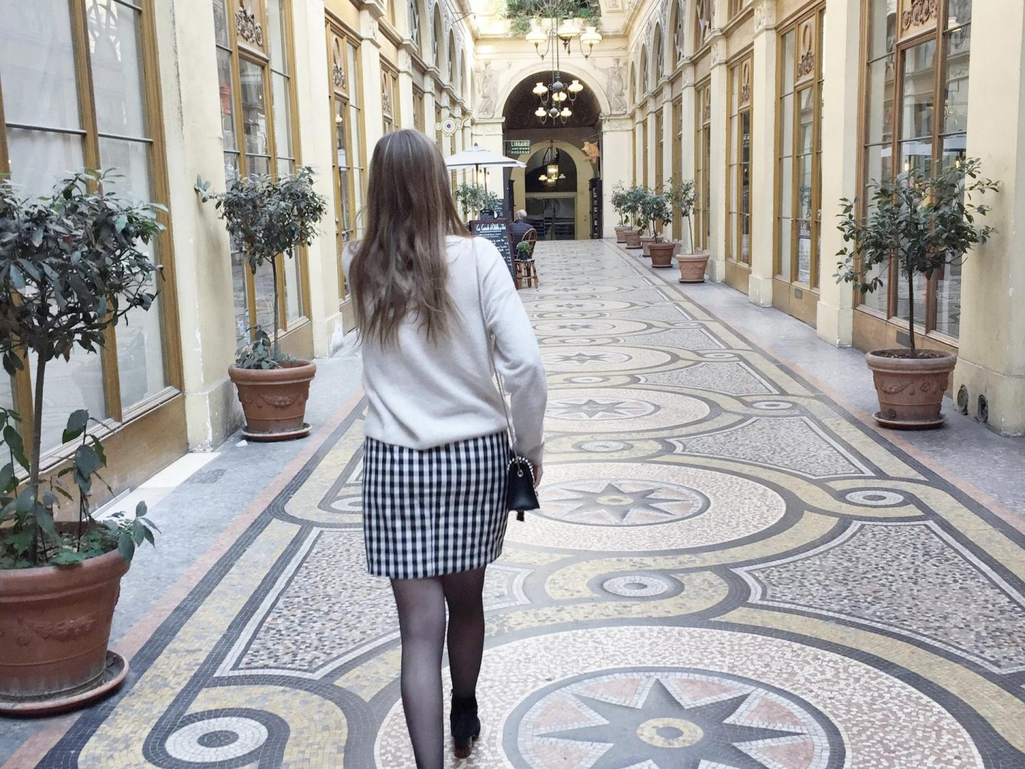 Ruffles-in-paris-ootd-outfit-Paris-blogger-bymeryl-fashion